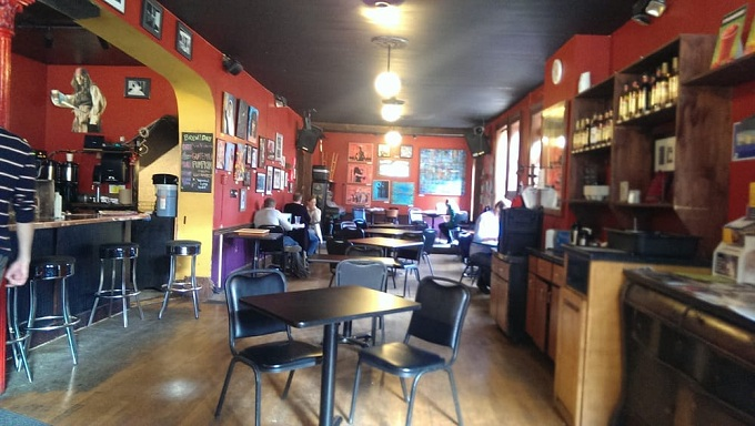 common grounds interior