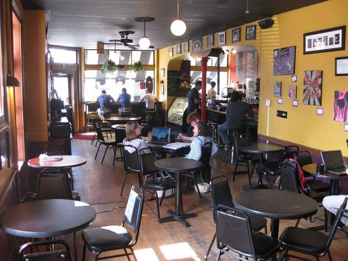 common grounds interior2