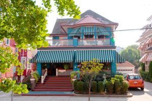 History of Windward House Inn